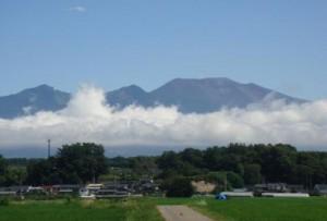 Mt. Asama viewed from Hiraga, Saku, July 2013 (by Mr. Nobuyoshi Yanagisawa)